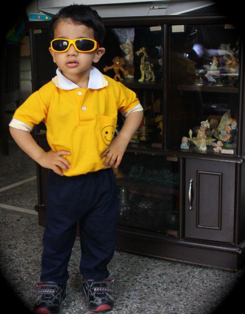 चश्मे वाला स्टालिश जयोम