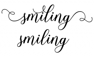 Smiling - Shania Script Font with and without Alternate Glyphs